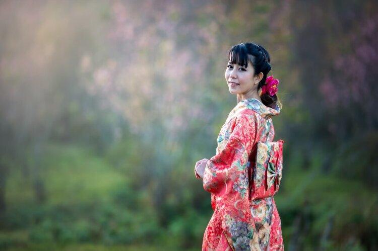 女子の卒業写真の撮り方を徹底解説!袴やポーズや適切時期を紹介8