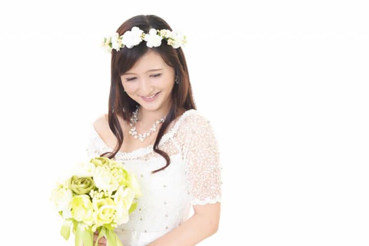 フォトウェディングで花嫁に人気のダウンスタイル集&ヘアアクセサリー1