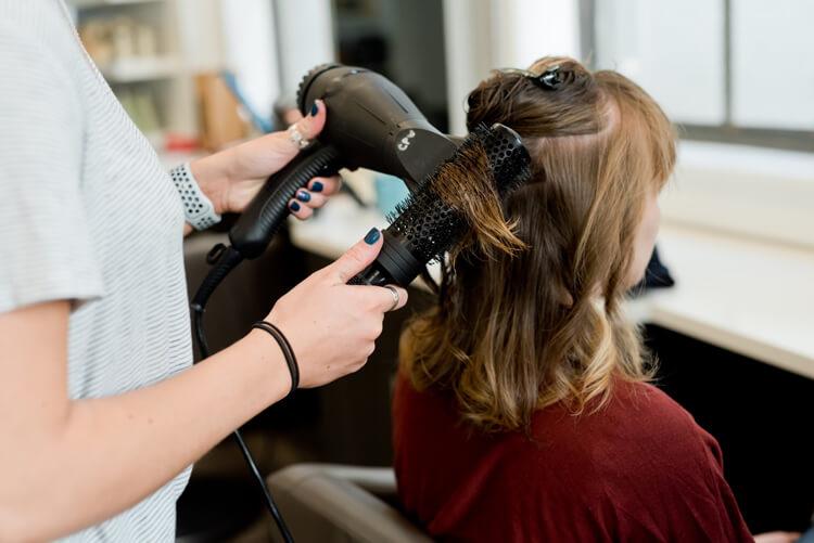 【人気】卒業写真に適した髪型を衣装別に解説!前髪や髪飾りも紹介1