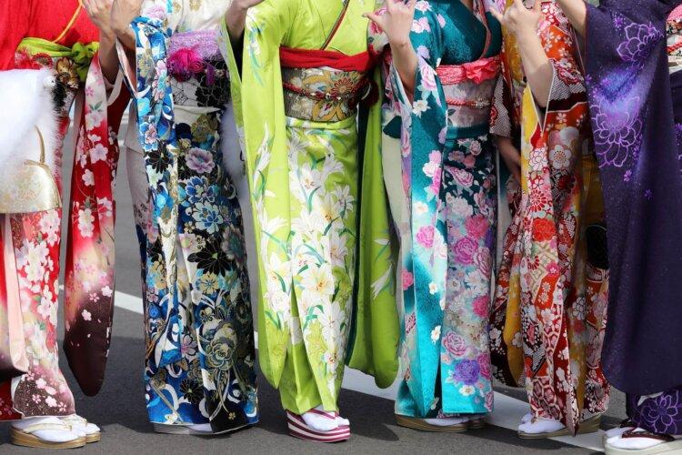 【女子向け】成人式写真の服装選びまとめ|振袖とドレスの選び方ポイント4