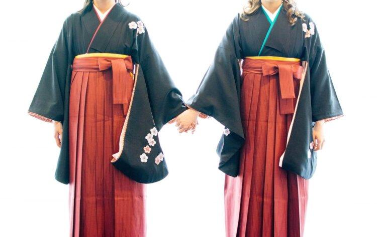 卒業袴写真ではブーツと草履どちらがおすすめ?丈の違いや相場まで解説9