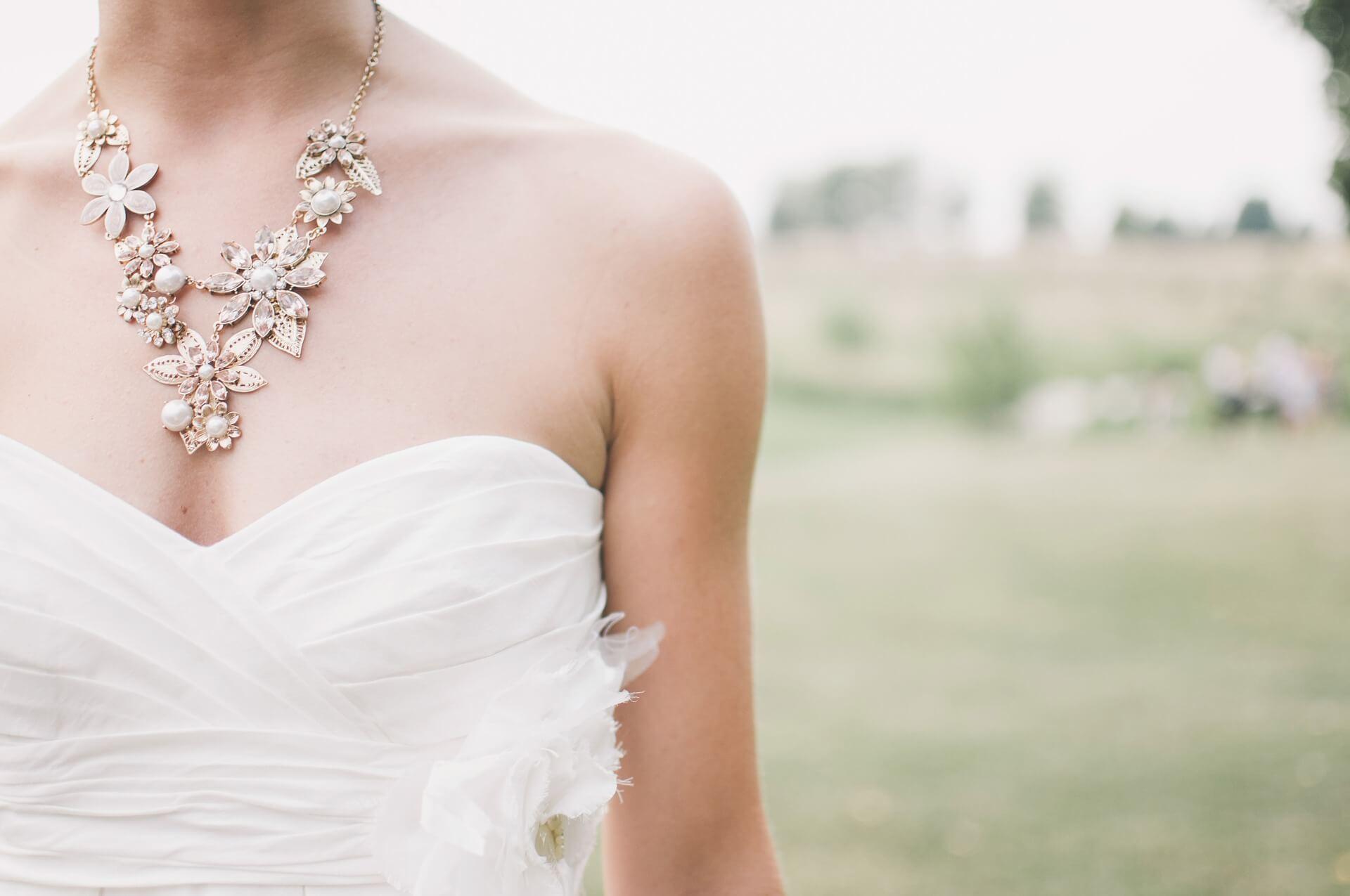 花嫁のフォトウェディング撮影の衣装をまるっと解説!花嫁のドレス・和装のお悩みを解決