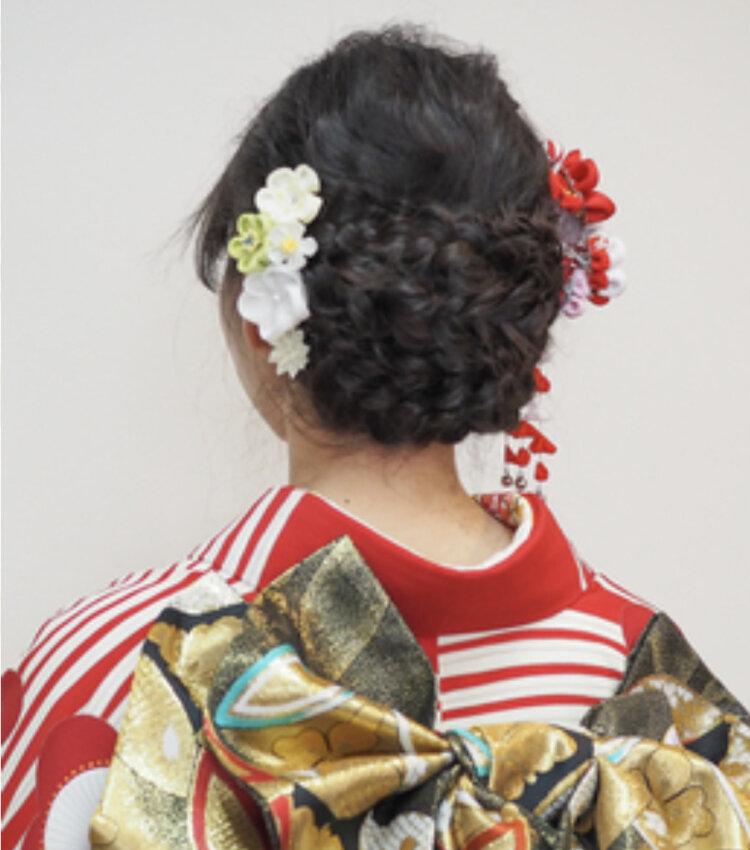 振袖の成人式写真ならアップ!髪型カタログとアップでも小顔に見せるコツを紹介10
