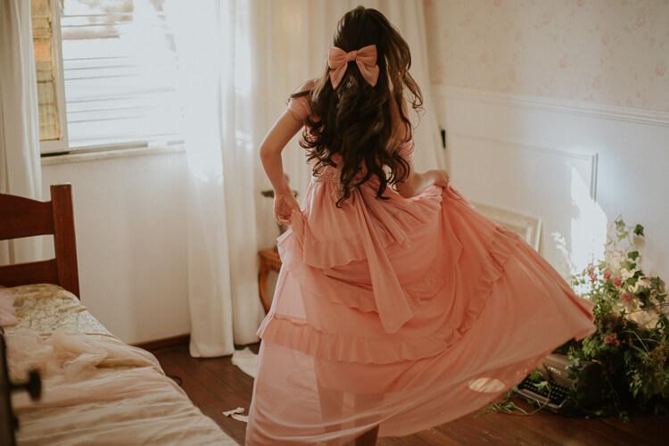 卒業写真をドレス姿で撮るのはあり?卒業写真に似合うドレスをご紹介15