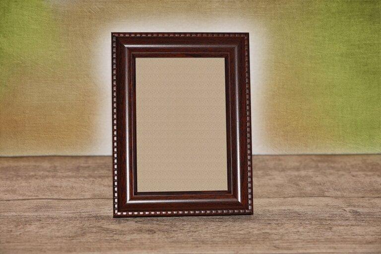 遺影写真のリボンの意味とは?付け方や正しい位置や外し方を解説