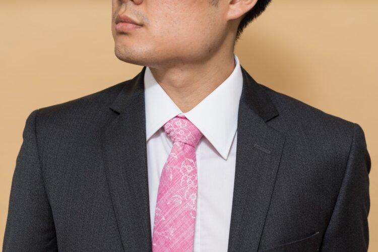 男性の就活写真はスーツスタイル一択!選び方や撮影時の注意点は?